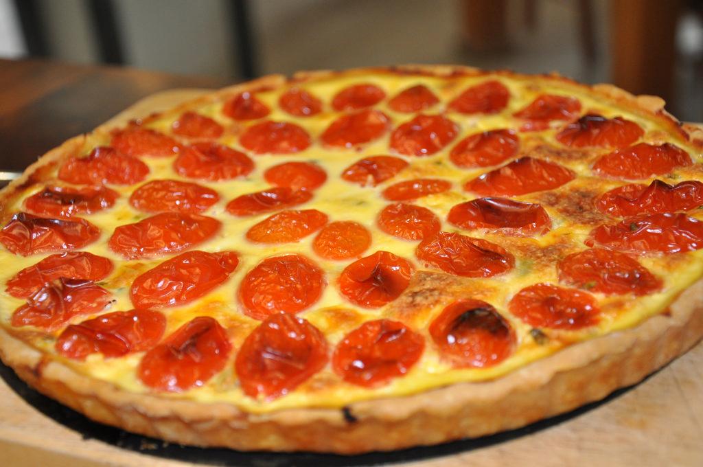 טארט גבינות עם עגבניות שרי