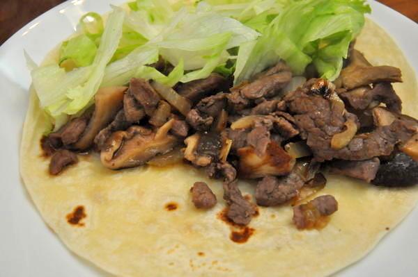 טורטיה במילוי בשר בקר