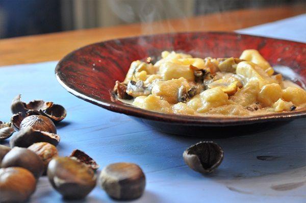 ניוקי תפוחי אדמה וערמונים טבעוני